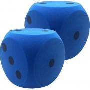 Merkloos 2x Grote schuimrubberen dobbelsteen blauw 16 cm