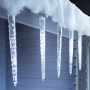 Olvadást imitáló luxury csepegő jégcsap – Hideg fehér, 50 cm