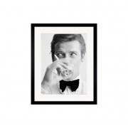 Newport Tavlor Roger Moore 70x100 cm