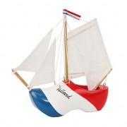 Merkloos Decoratie bootje klomp rood/wit/blauw met witte masten 20 cm