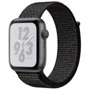 Smartwatch Apple Watch 4 Nike Plus, 44mm, LTPO OLED Retina Display, GPS, Bluetooth, Wi-Fi, Bratara Sport Loop Neagra, Carcasa aluminiu, Rezistent la apa si praf (Space Gray)
