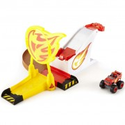 Blaze and the Monster Machines Blaze Pit Area Play Set DGK55