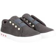 Commander Premium Classic for Girls Slip On Sneakers For Women(Grey)