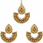Asmitta Pear Shape Gold Plated Chand Bali Earrings With Maangtikka For Women