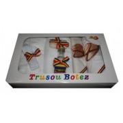Trusou pentru botez 7 piese brodat cu figurina Traditional baiat Little Angel multicolor