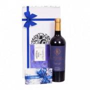 Cadou vin, ciocolata si biscuiti blue P5300