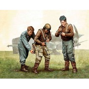Master Box Ltd. Pilots of Luftwaffe, WWII era. Kit 1 figura makett MB3202