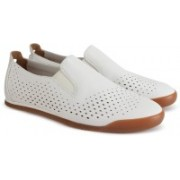 Clarks Siddal Step White Leather Sneakers For Men(White)