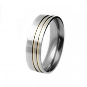 Aliança em aço inox confort reta 7mm c/ 2 filetes laterais em ouro