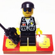 MinifigurePacks: Lego City/Town Bundle (1) SHERIFF - BLACK CAP/WHITE ARMS (1) FIGURE DISPLAY BASE (1) FIGURE ACCESSORY