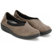 Clarks Sillian Jetay Pewter Synthetic Casual Shoe For Women(Brown)