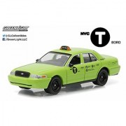 2011 Ford Crown Victoria NYC New York City Boro Taxi Hobby Exclusive 1/64 by Greenlight 29858