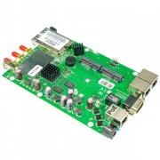MikroTik RouterBoard RB953GS-5HnT – 3x Gigabit LAN/WAN+2 x SFP slota, 3x3 MIMO 300Mb/s high power 1600mW wireless 802.11n sa 3x RPSMA, USB, 2 x miniPCIe (3G/LTE/WiFi), 2 x SIM slot