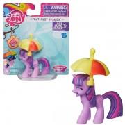 My Little Pony - Figurina Twilight Sparkle cu Umbreluta Hasbro