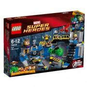 LEGO Super Heroes Set #76018 Avengers Assemble: Hulk Lab Smash