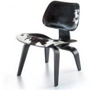 Vitra LCW Calf's Skin loungestoel zwart/wit
