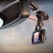 Scosche - Dashcam 2.4 Zoll Auto Video Kamera Nachtmodus 1080p (30fps) + 8GB Micro-SD Karte