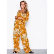 NLY Trend Boho Wrap Jumpsuit Jumpsuits Gul/Mönstrad