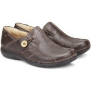 Clarks Un Loop Lifestyle Shoes For Women(Brown)