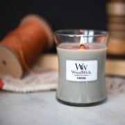 Lumanare parfumata Woodwick fireside Borcan mediu