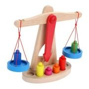 Jucarie Montessori, Balanta din lemn