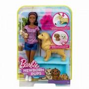 Papusa Barbie, bruneta cu catelusa si puii ei