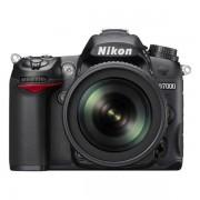 Nikon D7000 + Обектив 18-105VR + Чанта CF-EU05 + Карта 8GB (Class 10)