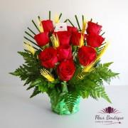 Cos flori 11 trandafiri rosii CF056