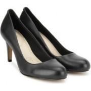Clarks Carlita Cove Black Leather Slip on For Women(Black)