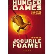 Jocurile foamei Sfidarea necartonat - Suzanne Collins