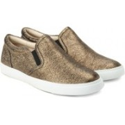 Clarks Glove Puppet Gold Leather Sneakers For Women(Gold)