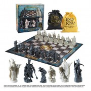 Noble Collection Lord of the Rings Chess Set Battle for Middle Earth