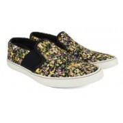 Clarks Gosling Step Multicolour Syn Sneakers For Men(Multicolor)