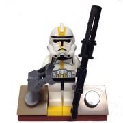 "MinifigurePacks: Lego Star Wars Bundle ""(1) STAR CORPS TROOPER, EP.3"" ""(1) FIGURE DISPLAY BASE"" ""(2) FIGURE ACCESSORIES"""