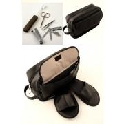 Bolsa de aseo neceser con accesorios y zapatillas