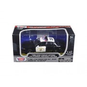 1999 Ford Crown Victoria California Highway Patrol (CHP) Black and White Car 1/43 Model Car by Motormax