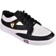 XPORT PLUS SG Blk & White sneaker Sneakers For Men(Black)
