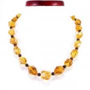 Arany kalcit nyaklánc gránát gyöngyökkel