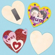 Baker Ross Heart Magnets - 10 Wooden Heart Magnets to personalise. Size 8cm diameter.
