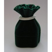 Sametova krabicka na sperky - mesec zeleny