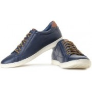 Levi's Tulare Low Mid Ankle Sneakers For Men(Blue)