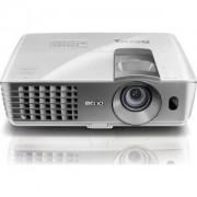 мултимедиен проектор BenQ W1070, DLP, 1080p, 10 000:1, Dual HDMI, 2000 ANSI Lumens, 3D - 9H.J7L77.17E