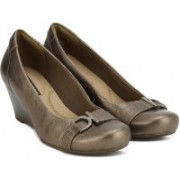 Clarks Flores Poppy Pewter Leather Bellies For Women(Bronze)