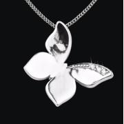 Ashanger Vlinder in zilver met zirkonia inclusief collier