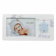 Rama foto Leandrew 10x15 lemn pentru bebelusi salopeta in relief