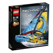 Lego Rennyacht