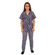Costum medical Hearts, cu bluza cu imprimeu si pantaloni gri cu elastic