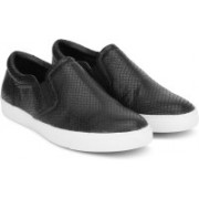 Clarks Glove Puppet Black Snake Slip on Sneakers(Black)