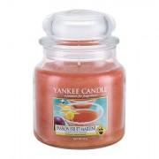 Yankee Candle Passion Fruit Martini mirisna svijeća 411 g