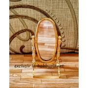 Oglinda de podea din alama aurie cu rama ovala